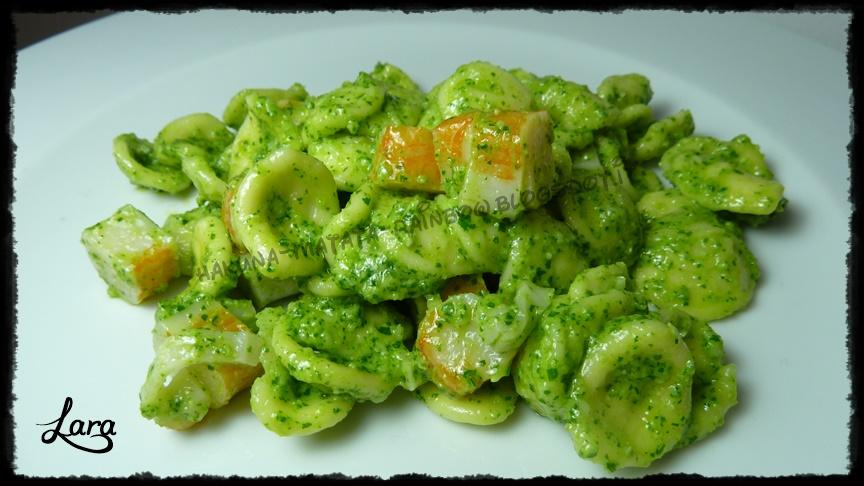 http://cucinaconlara.blogspot.it/2014/04/pasta-con-pesto-di-rucola-e-surimi.html