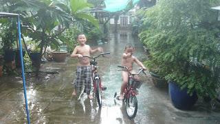 Status facebook tâm sự ngày mưa