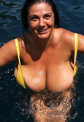 Vacationing milf with huge tits  miranda lambert hairstyles