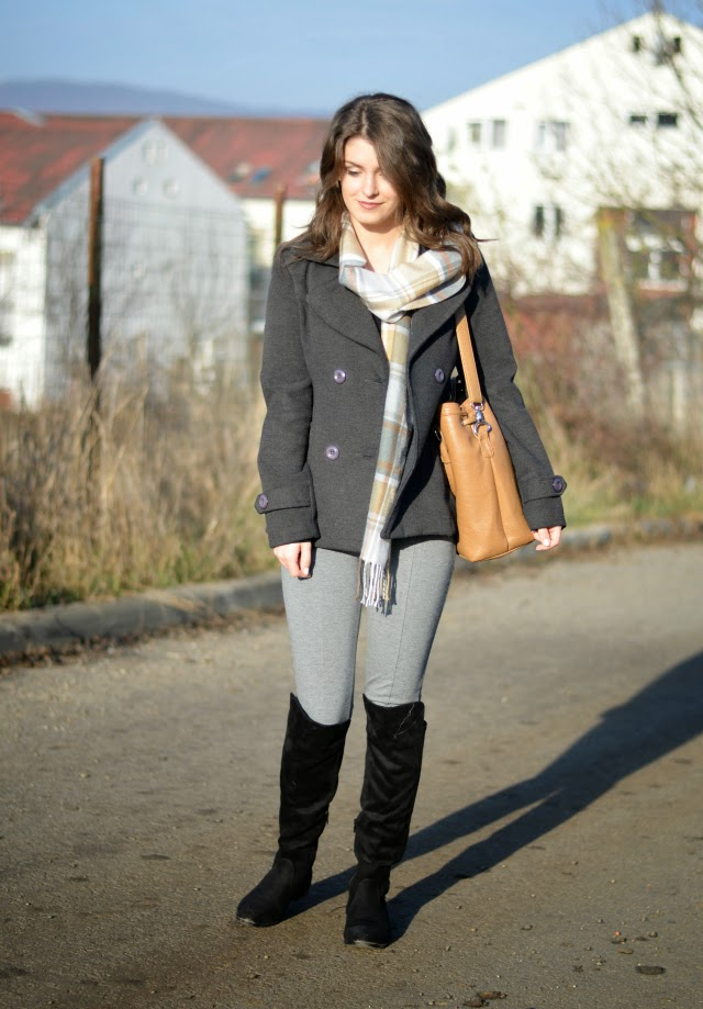what to wear with grey leggings outfit