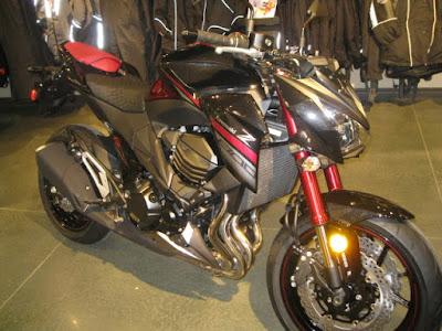 Kawasaki-Z800-HD-Picture-2016