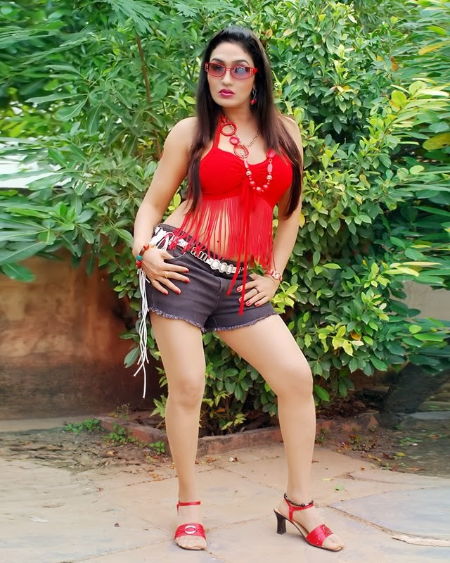 Kashmira Shah: Ramya Sri Spicy Different Looks Revealed