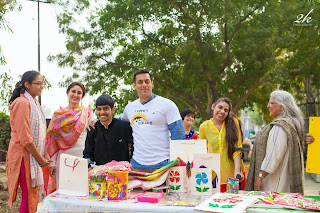 Salman Khan and Kareena Kapoor spend time with the kids from Umang NGO