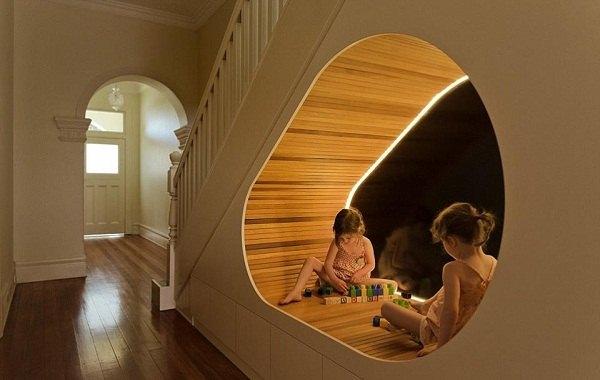 Cải tạo, trang hoàng cầu thang làm không gian sống
