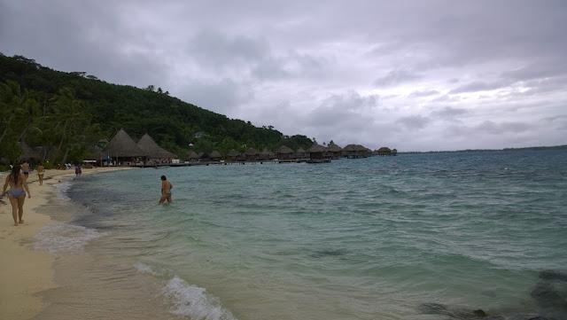 Bora Bora risteily sää sade myrsky