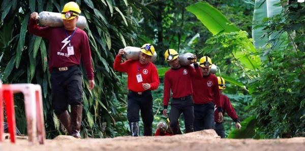 Muere uno de los rescatistas de niños atrapados en cueva de Tailandia