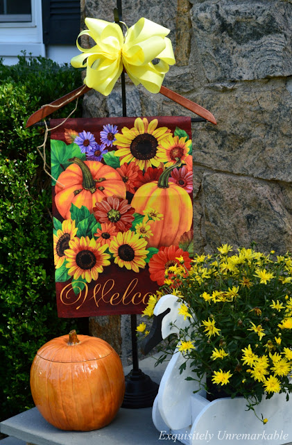 Garden Flag Welcome Hanger