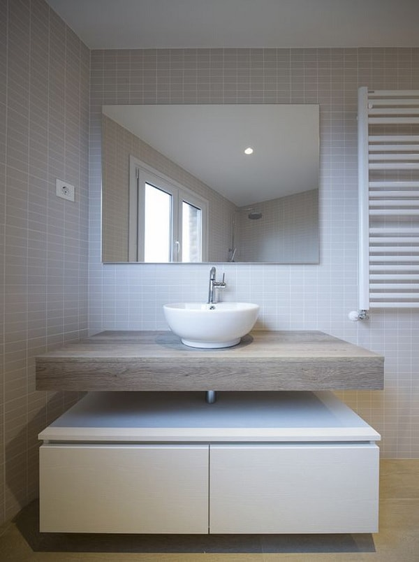 Solutions To Decorate Small Bathrooms 8