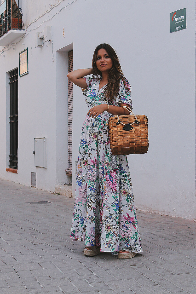 Look con vestido de flores shein