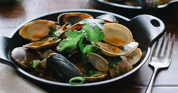 Steamed Clams And Mussels In Coconut Curry Broth Recipe