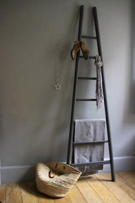 une chelle pour ma salle de bains. Black Bedroom Furniture Sets. Home Design Ideas