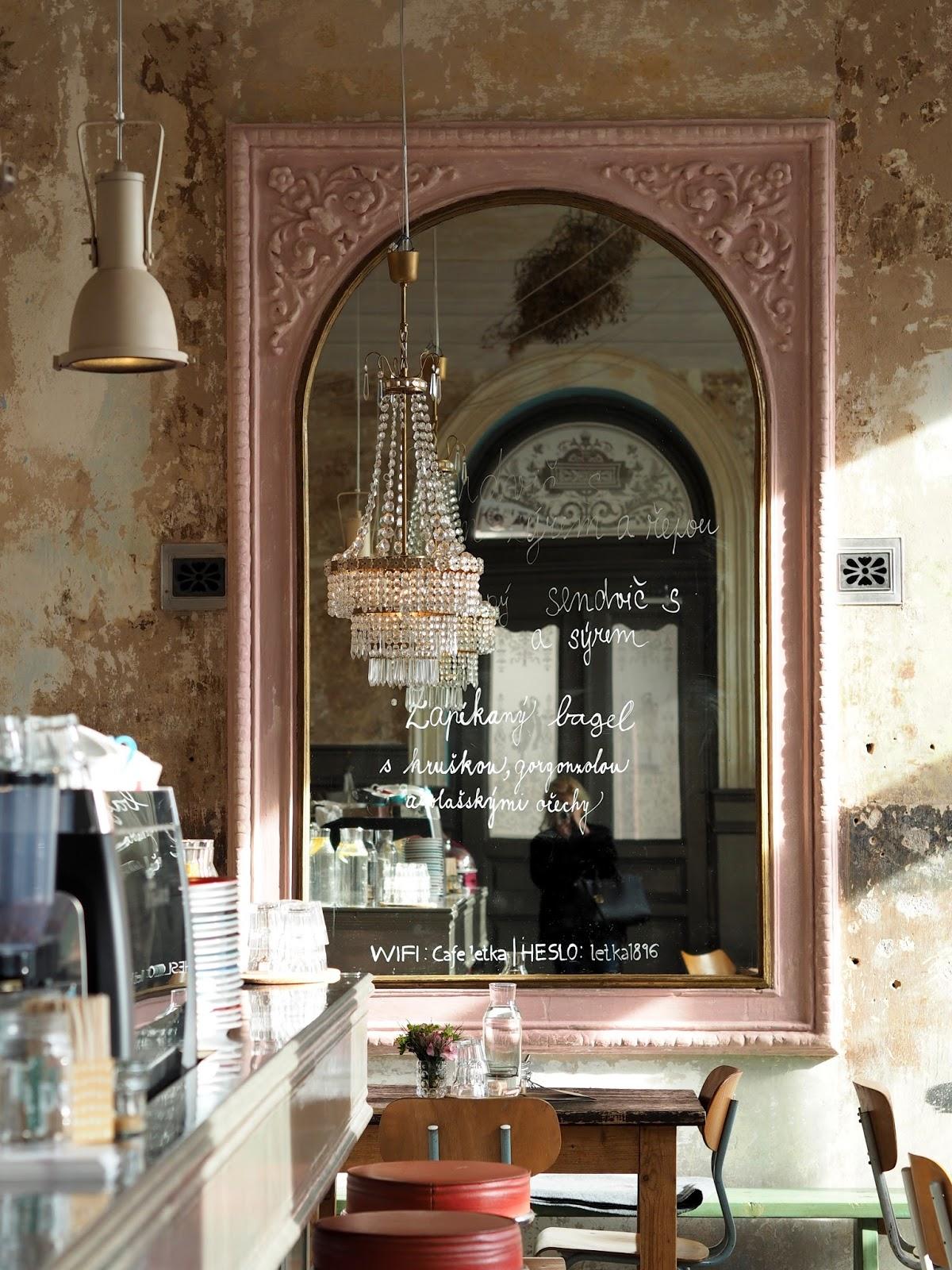 nejlepší kavárny Praha cafe letka