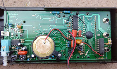 Alicate amperímetro Toyo TY-9900 placa