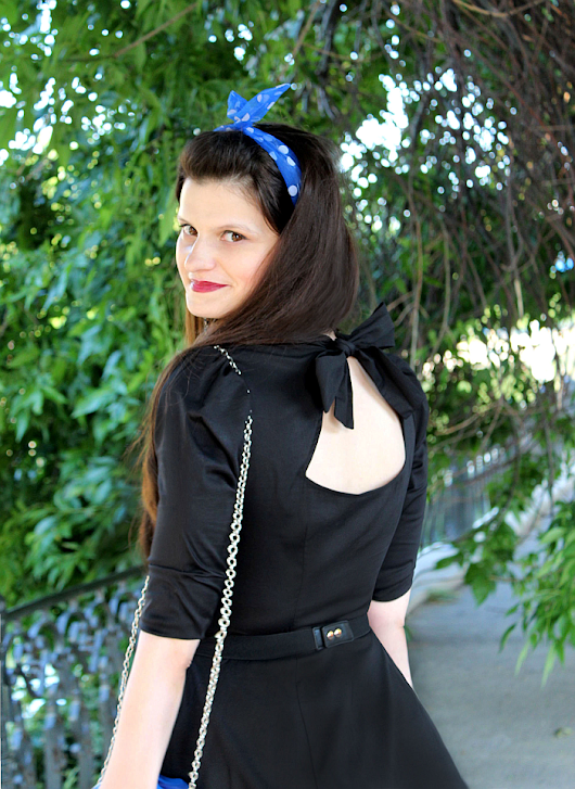 Pop Culture And Fashion Magic: Pin up look using a 50s style little black dress