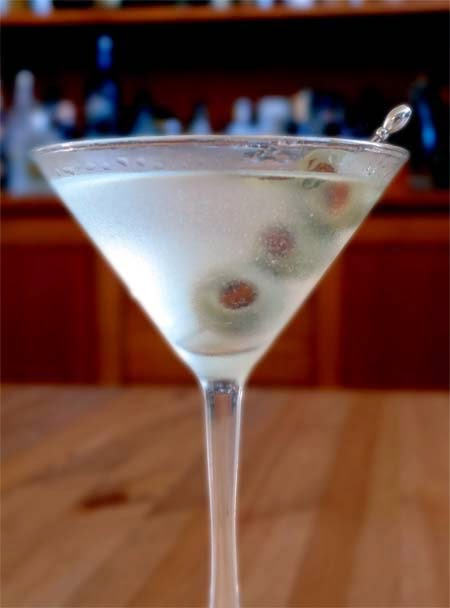 Easy Martini Recipe with Olives
