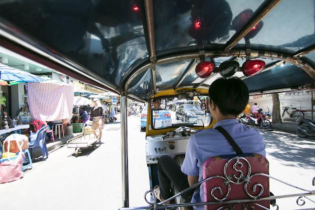 Tuc tuc per il Tempio Wat Phra Kaew-Bangkok