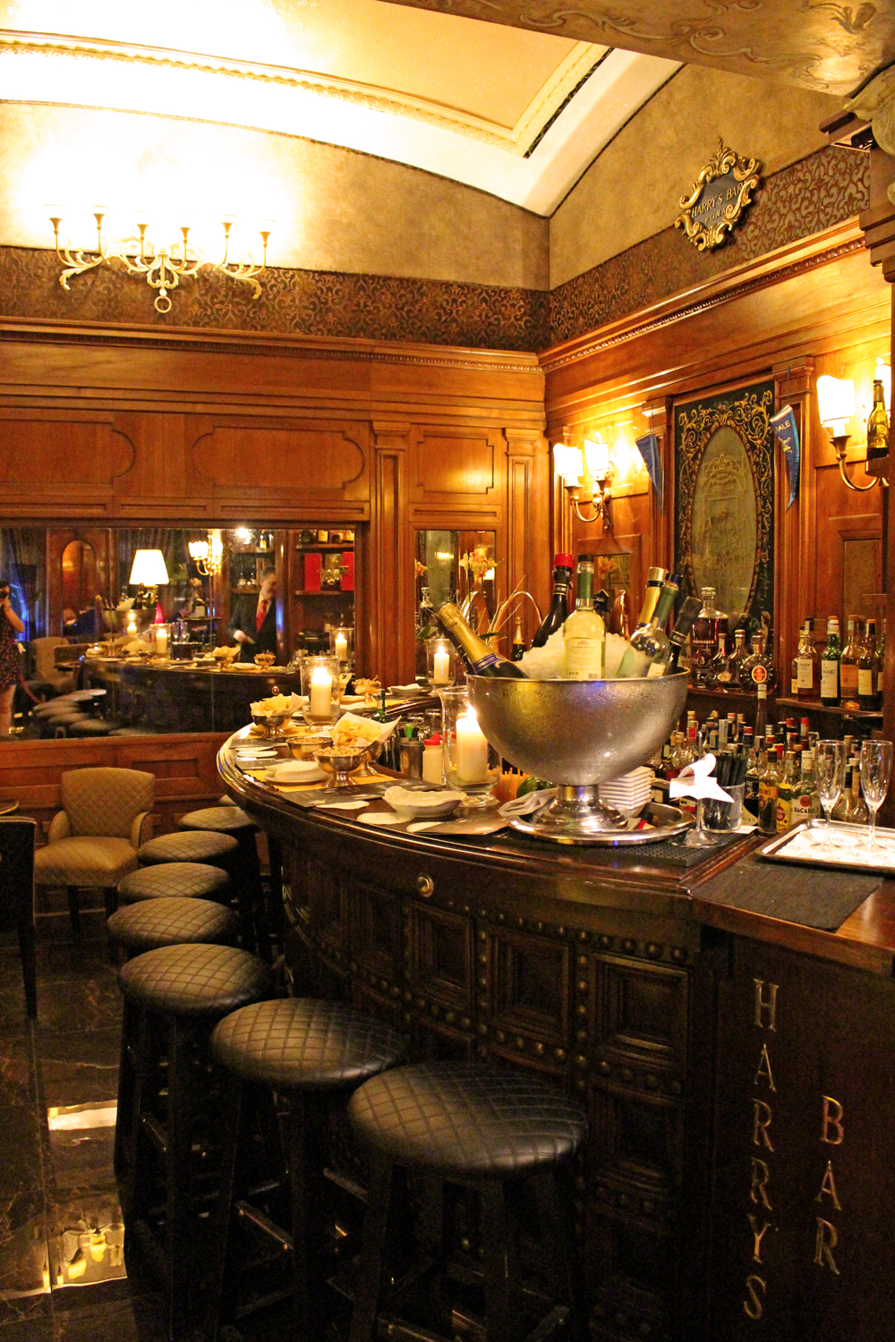 Harry's Bar interiors, Rome - style & travel blog