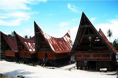 Foto Rumah Adat Sumatra Utara