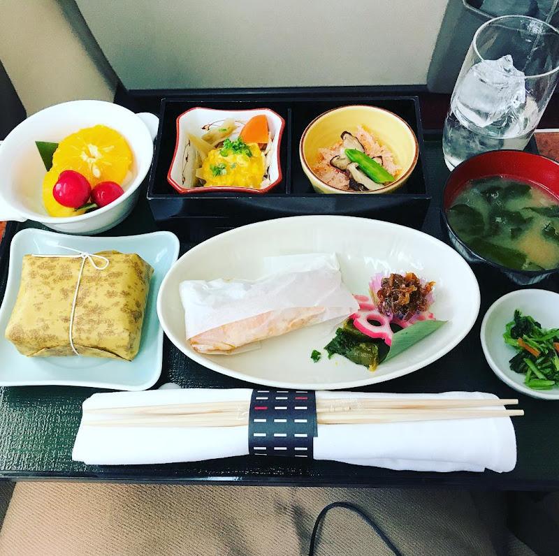 機内食:JAL307(JL307) 東京・羽田=福岡 国内線ファーストクラス(2017年6月) | JALマイル修行