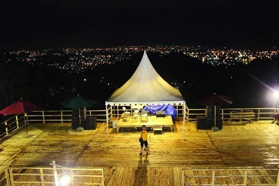 view puncak mas di malam hari