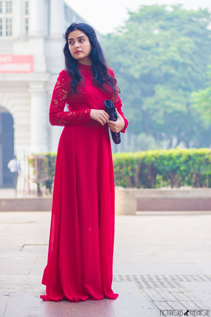 https://fictitious-fashion.blogspot.com/2018/01/cherry-red-gown-first-day.html