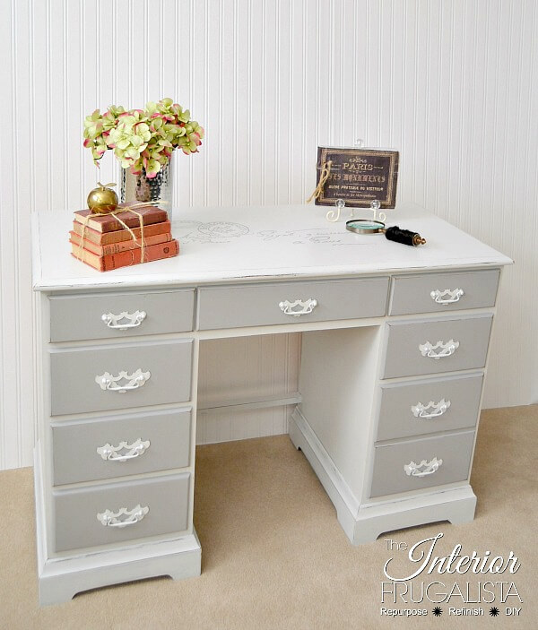 9 Creative Desk Makeovers - Vintage Carte Postale Desk