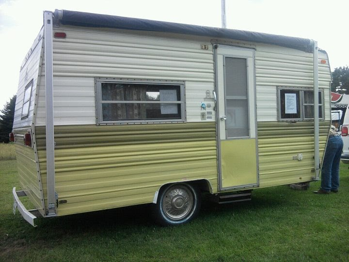 dainty daisies: My new to me (1974 prowler) vintage camper!!