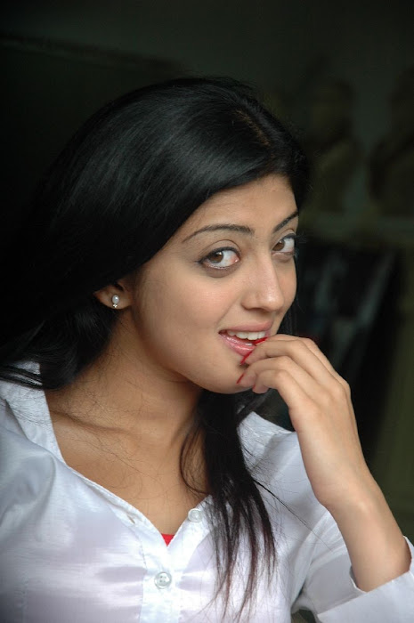 praneetha the girl in white shirtjeans hot images