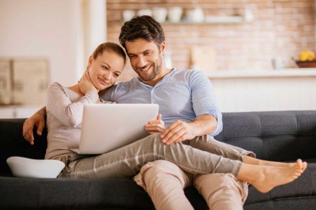 Jangan Sensi, ini Perbedaan Nafkah dan Uang Belanja yang Harus Kamu Ketahui Suami-Istri