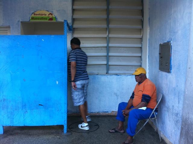 Banheiro do Centro de Tradições Nordestinas, em São Cristóvão, Rio. Foto de Marcelo Migliaccio