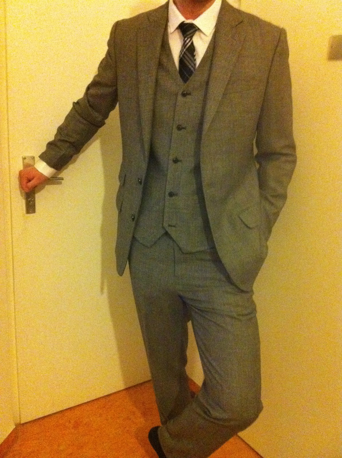 Indochino Review: The Associate 3-piece Tweed Suit