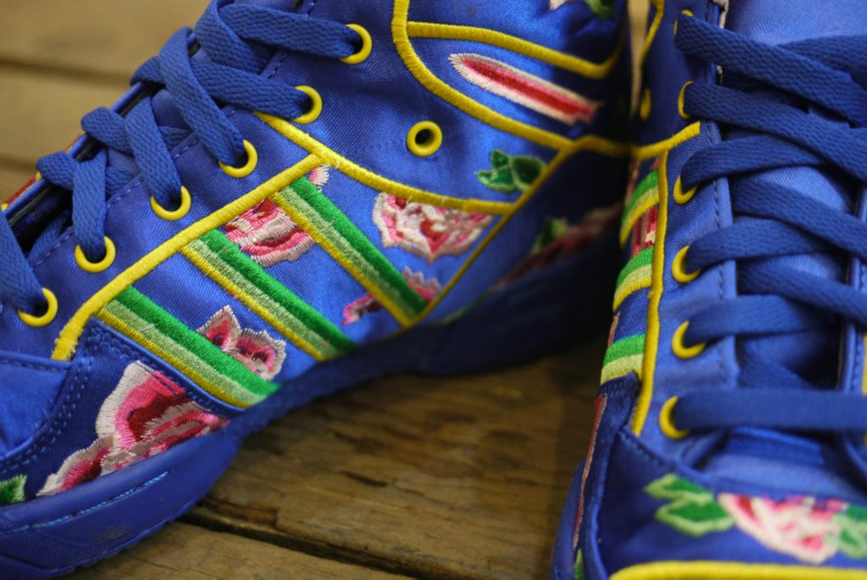 100% authentic 7f9f9 1bf12 Eason Chan x adidas Originals by Jeremy Scott 2013 JS WINGS