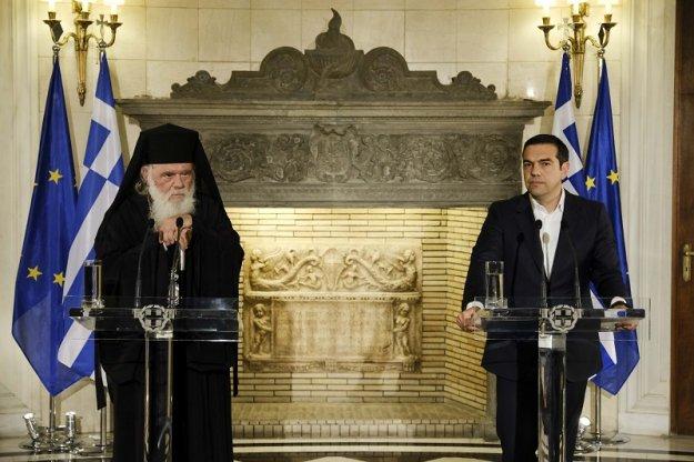 Ο Τσίπρας «παρασύρεται» σε ρήξη με τους κληρικούς
