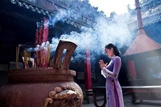 Phật pháp ứng dụng Ngũ tâm hương