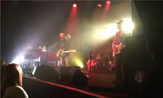 Kula shaker onstage