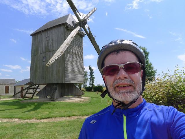 Tour de la Beauce en vélo couché  Le Grand Moulin de Ouarville