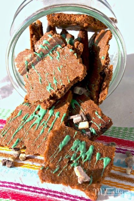 Minty Mocha Brownie Crunch / This and That  #brownie, #chocolate, StPatricksDay
