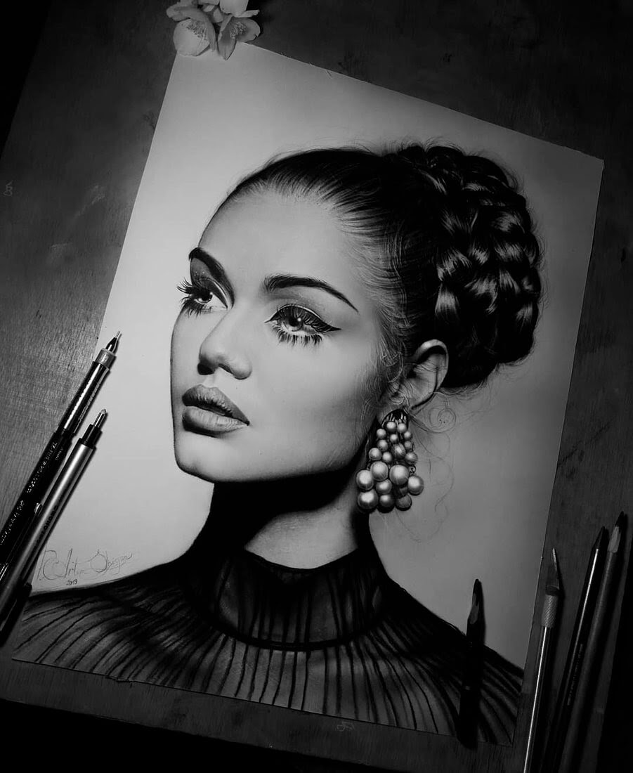 07-Artem-Mcalister-Realistic-Portraits-Graphite-and-Charcoal-www-designstack-co
