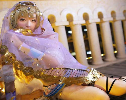 Foto Haoge Membawakan Cosplay Kotori Minami versi Arabian Dancer terbaru