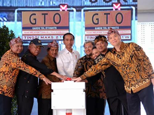 Jokowi resmikan jalan tol Soroja