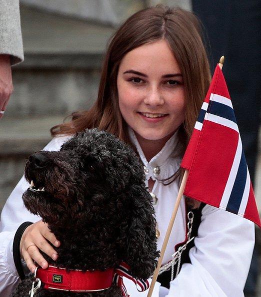 Crown Prince Haakon,  Crown Princess Mette-Marit, Princess Ingrid Alexandra, Prince Sverre Magnus, Queen Sonja