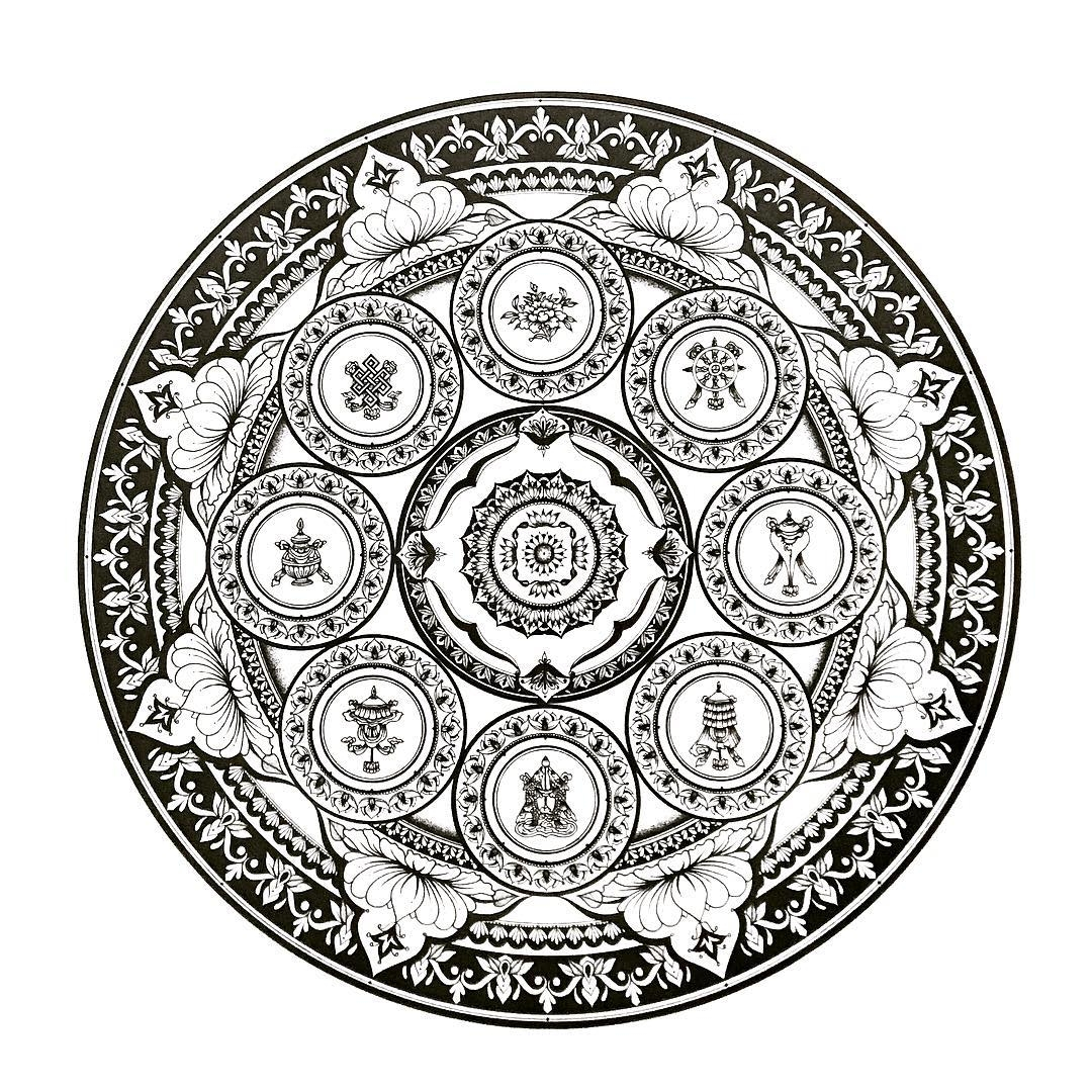 04-Eeling-Wong-Mandala-Drawings-Examples-of-Symmetry-and-Precision-www-designstack-co