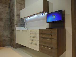 mobiliario clínico con teclado 2