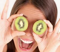 Ini dia 7 makanan yang dapat menjada kesehatan mata anda, makanlah daftar makanan di bawah ini agar mata anda tetap terjaga kesehatannya
