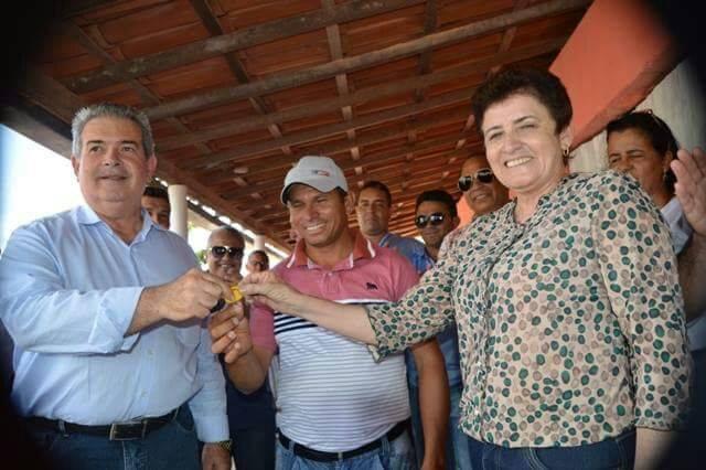 Comunidade agrícola de Piranhas é contemplada com trator e implementos