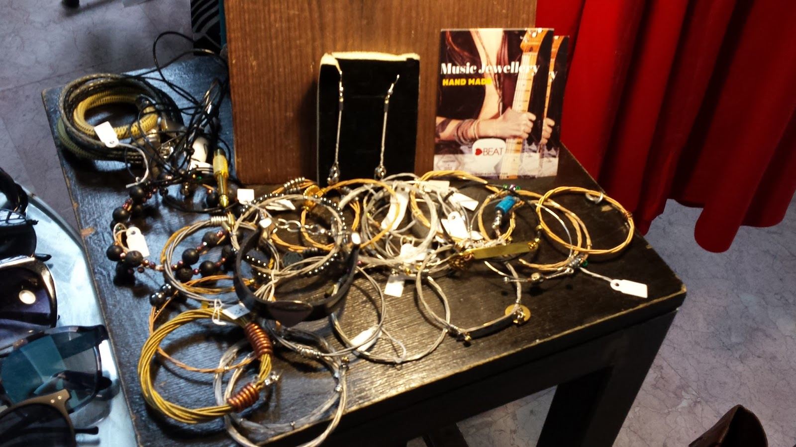 Heart Beat, Warsaw Vintage Market, Niebo, muzyczna biżuteria, polska biżuteria, biżuteria ze strun