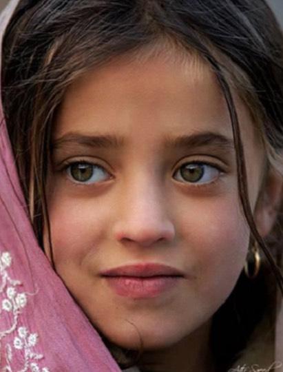 Golongan Wanita Tercantik Di Dunia, Gadis Suku Pashtun