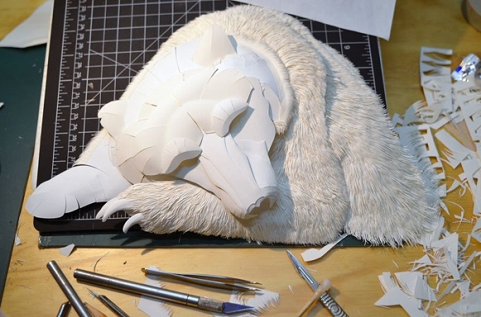 If You Think That's A Sleeping Polar Bear, Then Look Closely... You'll Be Amazed! - However, he doesn't just draw on it. He shapes it to create intricate works of staggering detail and beauty.
