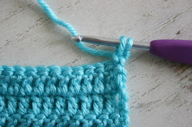 Four Ways to Avoid the Turning Chain Hole when Crocheting by Susan Carlson of Felted Button