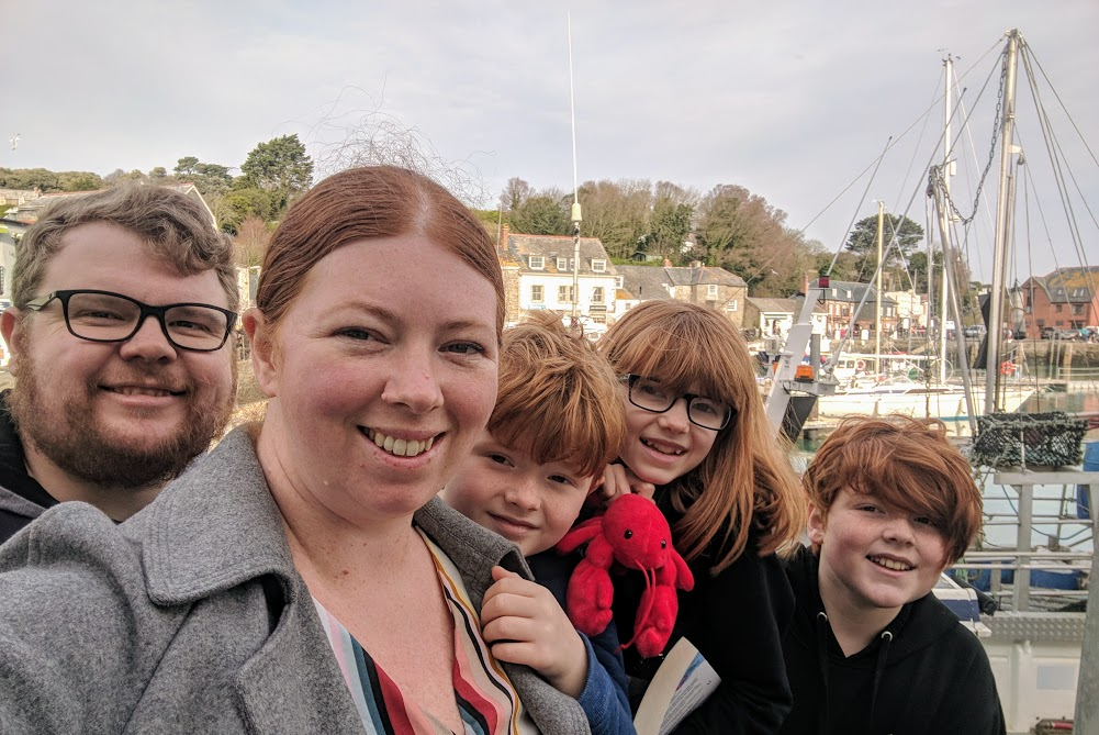 A Morning in Padstow : What to do with Kids  - harbour selfie